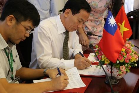 LỄ KÝ KẾT BẢN GHI NHỚ HỢP TÁC GIỮA ULSA2 VÀ TAIWAN FUND FOR CHILDREN AND FAMILIES